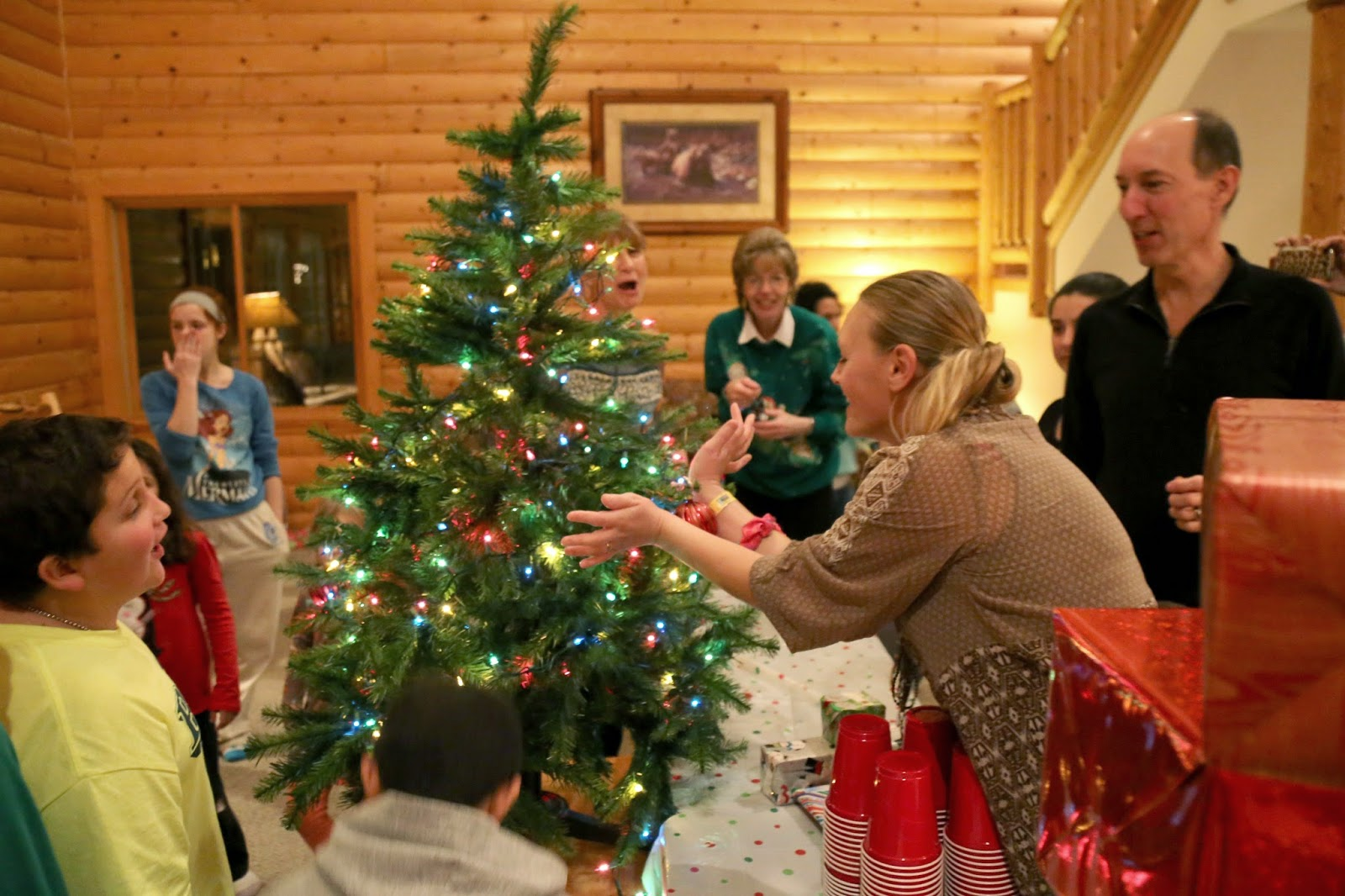 Christmas Party Ideas For Family Part - 31: Easy Party Games To Keep The Extended Family Entertained During The  Holidays - Our Community Now At Virginia